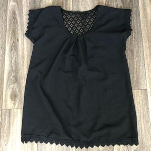 Tops - NWOT Adorable Black Blouse